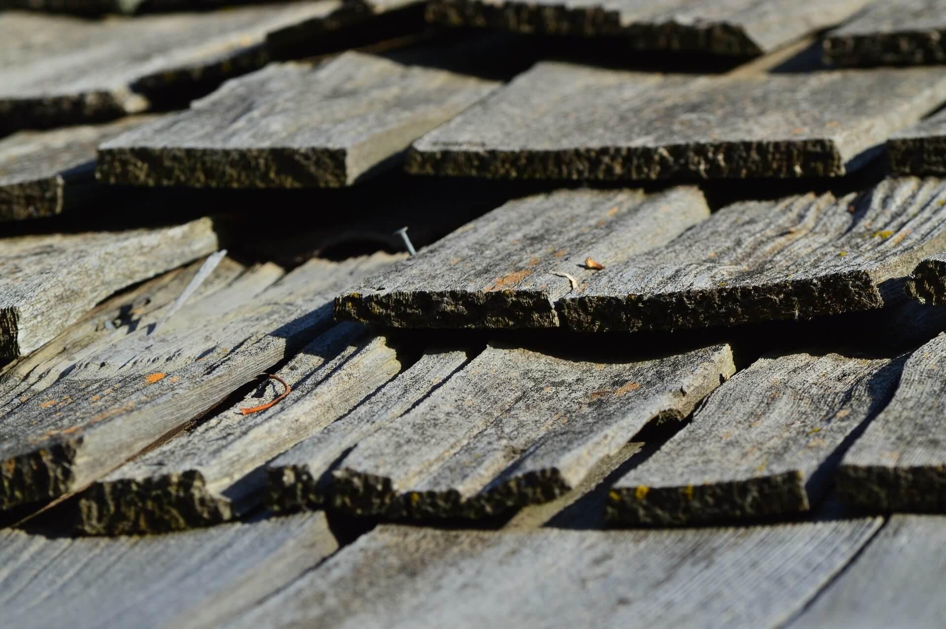 cracked wood shingles