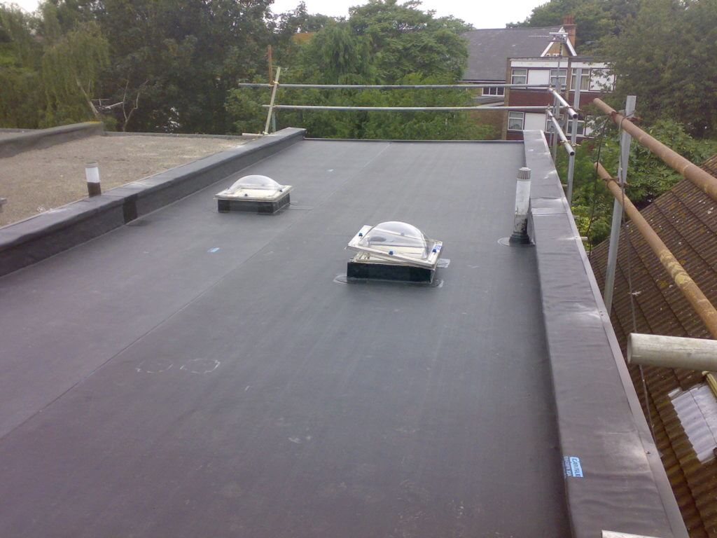 Black Flat Roof in Lincoln Park Chicago